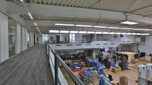 Auf 2800 Quadratmetern ist genug Platz für Verwaltung und Produktion